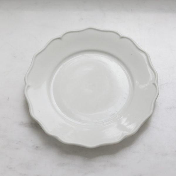 Тарелка 22 см белая